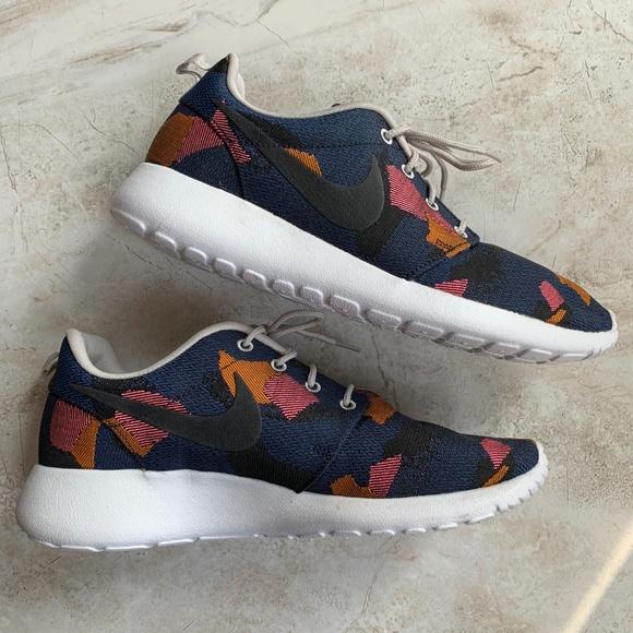 8e07cfddac NIKE 👟✨ Roshe One Jacuard Print Game Royal Shoes.  M_5c11ca5c951996a1c82403f8